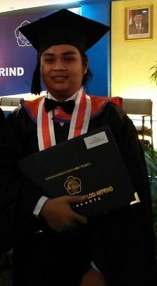 Yitobit Jamaluddin Wisudawan Terbaik Program Studi Diploma 3 Wisuda Periode II 2017/2018