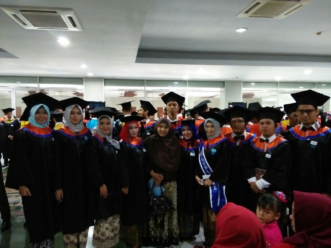 Wisuda Jurusan Teknik Informatika, Fakultas Industri Periode II Tahun Akademik 2017/2018