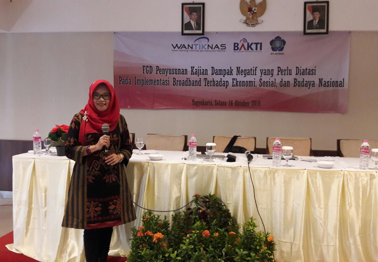Dosen Jurusan Teknik Informatika IST AKPRIND Uning Lestari, S.T., M.Kom raih hibah Penelitian Bapedda Kota Yogyakarta