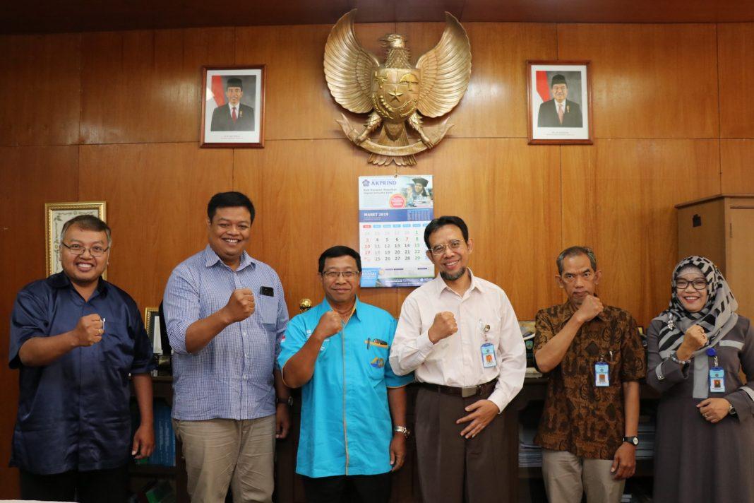 Kunjungan Ketua STMIK AKAKOM dan Puket III STMIK MDP Palembang di IST AKPRIND Yogyakarta.