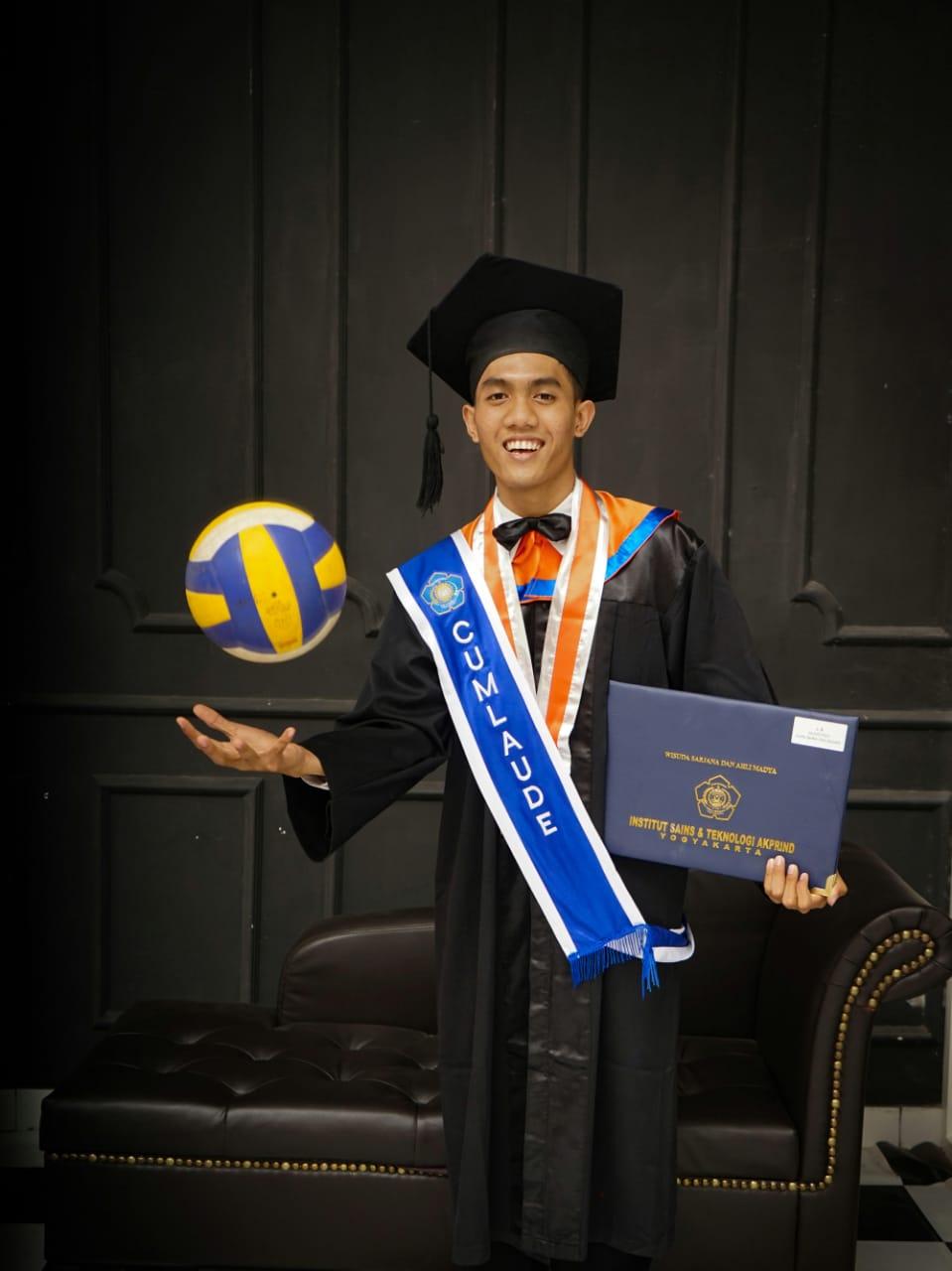 Erix Syaiful Rohman. S.Kom (Mahasiswa Berprestasi)
