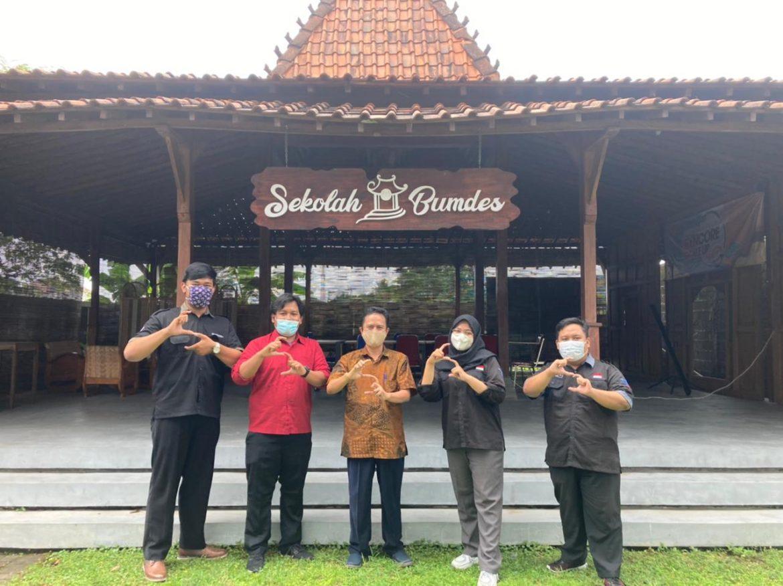 Tiga Mahasiswa Informatika Selesai magang Mendapat Tawaran Kerja di PT. SYNCORE Indonesia