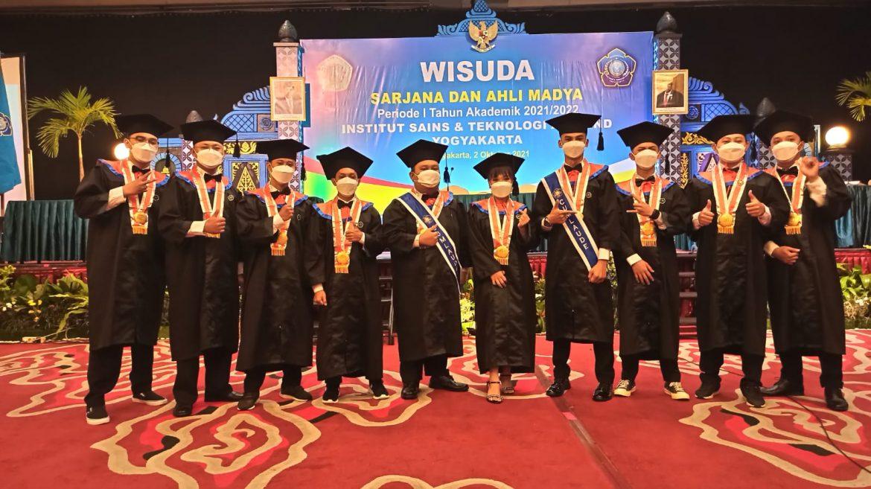 Wisuda Teknik Informatika Institut Sains dan Teknologi AKPRIND Yogyakarta periode I  Tahun Akademik 2021/2022